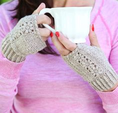 (4) Name: 'Crocheting : Flora Mitts