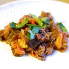 Ratatouille: Este clásico ratatouille o revuelto de zapallitos del sur de Francia, se sirve con huevos, carne o pescados.