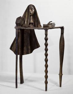 Alberto Giacometti ~ Surrealistische tafel ~ 1933 ~ Brons ~ 143 x 104 x 43 cm. ~ Musée National d'Art Moderne, Centre Georges Pompidou, Parijs