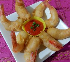 When i was young, we only get to eat prawns during festivals and Chinese New Year.One popular prawn dish is Deep fried batter prawns or know. Prawn Recipes, Fish Recipes, Meat Recipes, Seafood Recipes, Asian Recipes, Cooking Recipes, Ethnic Recipes, Chinese Recipes, Kitchens