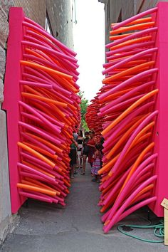 Passages Insolites (Unusual Passages): An Outdoor Public Art Festival in Quebec City The Unusual Passages (Les Passages Insolites) is an outdoor art exhibition in Quebec City featuring interactive displays to explore. Outdoor art in Quebec. Interactive Display, Interactive Installation, Interactive Art, Interactive Exhibition, Exhibition Ideas, Festival D'art, Art Public, Instalation Art, Design Poster