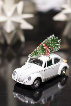 God jul! Bil med julgran från House doctor – Husligheter