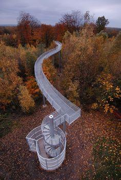 Viewing Platform in Bonsecours, Belgium. Landscape Structure, Landscape Architecture, Architecture Design, Urban Landscape, Landscape Design, Parque Linear, Bridge Design, Pedestrian Bridge, Forest Park