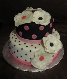 Black White And Pink small birthday cake for 16 year old girl. Fondant and gumpaste flowers Small Birthday Cakes, Birthday Desserts, Birthday Cake Girls, 12th Birthday, Birthday Ideas, Fancy Cakes, Cute Cakes, Pretty Cakes, Fondant Cakes