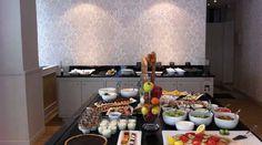 """Monument Café nel Versailles, Île-de-France Sconto del 20% con il Paris Pass http://viviparigi.it/ParisPass.html Il Monument Cafè si trova a 5 minuti dalla Reggia di Versailles. E' il luogo ideale per chi vuole provare le specialità gastronomiche del posto. Per informazioni e consigli su dove """"Mangiare e Bere a Parigi""""visita http://viviparigi.it/cosa-fare-a-parigi/mangiare-bere/"""