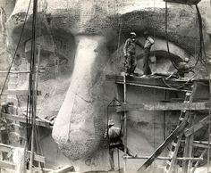 Mount Rushmore in construction | Picture Archive: Making Mount Rushmore, 1935-1941