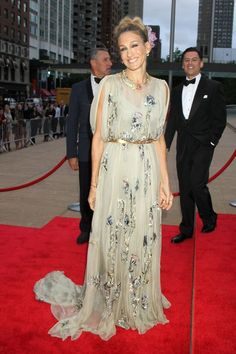 Sarah Jessica Parker in Valentino Couture