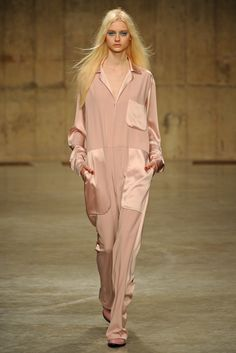 #lfw PJ's or a Jumpsuit what is this? Topshop Unique RTW Fall 2013 - Slideshow - Runway, Fashion Week, Reviews and Slideshows - WWD.com