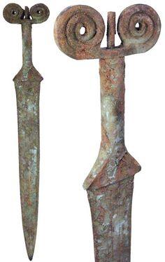 celtic weapons | Go Big': Ancient Celtic art sword 700 - 200 BC
