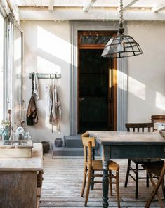 a light-filled bed and breakfast in the tuscan hills. Home Interior, Interior Architecture, Interior And Exterior, Interior Design, Design Interiors, Interior Inspiration, Room Inspiration, Sweet Home, Beautiful Kitchens
