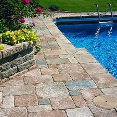Swimming Pool: Awesome Stone Pool Deck Design Ideas Curved Modern Swimming Pool With Paving Stone Deck Architecture Ideas: Mesmerizing Stone Pool Deck Design Ideas Pool Spa, My Pool, Pool Pavers, Pool Landscaping, Brick Pavers, Landscaping Design, Concrete Pavers, Best Above Ground Pool, In Ground Pools
