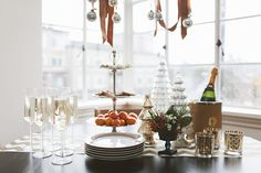 Holiday Entertaining in A Small Space With Cassandra LaValle Of coco+kelley | the glitter guide #seasonofsparkle @calypsostbarth