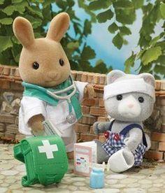 Flair TOY Sylvanian Families Paramedic Patient 4412 NEW | eBay