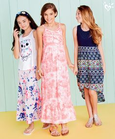 Your most adoable go-to: maxi dresses and skirts in bright and colorful prints! Cute Girl Outfits, Outfits For Teens, Girls Dresses Tween, Tween Girls, Middle School Fashion, Justice Clothing, Cool Kids Clothes, Tween Fashion, Teen Feet
