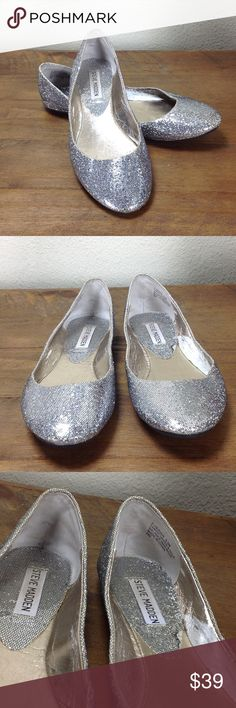 Steve Madden Silver Glitter Leather Ballet Flats Add some sparkle to your life with these round toe silver glitter ballet flats!  In great condition with some signs of wear and cracking of the interior (see pics). Thanks for your interest!  Please checkout the rest of my closet. Steve Madden Shoes Flats & Loafers