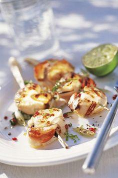 Aperitivos de Navidad: Vieiras a la parrilla Canapes, Shrimp, Food And Drink, Eggs, Meat, Breakfast, Healthy Recipes, Vase, Best Snacks