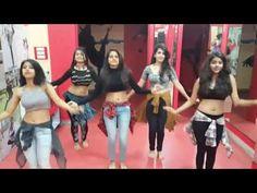 Tu cheez badi hai mast mast Remix amazing dance by girls - Duration: Download Lagu Dj, Dance Humor, Funny Dance, Tamil Girls, Neha Kakkar, Hd 1080p, Belly Dance, Bollywood, Cinema