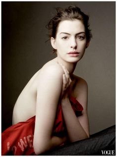 Annie Leibovitz | Anne Hathaway, Les Miserables Promo Pic for Vogue Cover