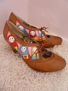 Hand Painted Russian Doll Shoes. shoe paintings PLUS matryoshkas?!? I could die.