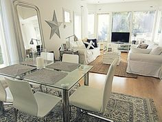 New england on pinterest veranda ideas new england for New england style living room ideas