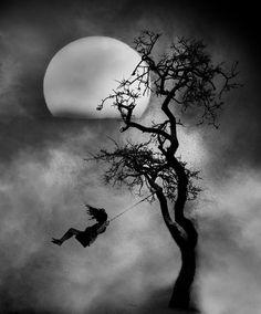 65 Ideas For Dark Art Inspiration Pictures Pencil Art Drawings, Art Drawings Sketches, Art Noir, Charcoal Art, Charcoal Sketch, Charcoal Drawings, Arte Obscura, Beautiful Moon, Simply Beautiful