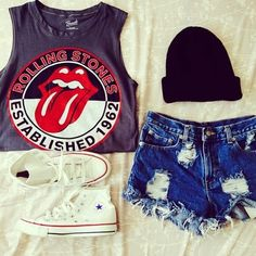 hipster // grunge // indie // alternative // rocker // the Rolling Stones // graphic tee // t-shirt