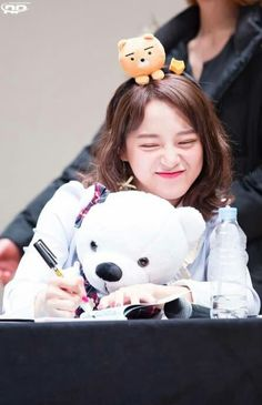 South Korean Girls, Korean Girl Groups, Kim Sejeong, Somi, Kawaii, Korean Singer, Actresses, School 2017, Kpop