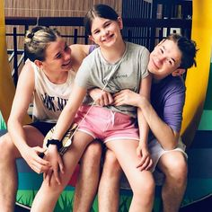 So cute togehter ❤️😍 marcusmartinus socute😍 brothersisterlove awesome sosweet twins adorable omg mycuties😘 myloves gunnarsenfamily gunnarsen family perfect best awww makeyoubelieveinlove togehter norway trofors emmagunnarsen mmerfamily❤️ mmerforever Happy Love, My Love, My Emma, Great Friends, Guinness, Little Sisters, My Sister, Boy Bands, Twins