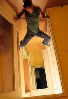 60+ Best Forced Perspective Photos from 2013 | Top Design Magazine - Web Design and Digital Content
