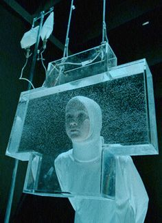 """Romeo Castellucci, """"Museum of Sleep"""". (Romeo Castellucci (Cesena, Italia, 1960) es un director de escena, dramaturgo, artista plástico y escenógrafo italiano. Desde los años ochenta es uno de los protagonistas del espacio teatral vanguardista en Europa.)"""
