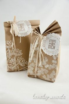 These Creative Gift Wrapping Ideas Will Make Your Gifts More Exciting - mybabydoo Ideas creativas para envolver regalos Wrapping Ideas, Creative Gift Wrapping, Creative Gifts, Wrapping Gifts, Paper Bag Crafts, Paper Gift Bags, Paper Gifts, Paper Bag Wrapping, Wrapping Papers