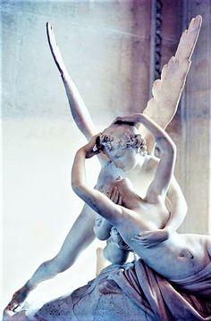 Antonio Canova – Amore e Psiche Psyche Revived by Cupid's Kiss – Musé… Greek Statues, Angel Statues, Buddha Statues, Memes Arte, Art Sculpture, Classical Art, Renaissance Art, Pablo Picasso, Ancient Art