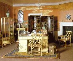 Queen Mary's Doll House-Queen's Sitting Room