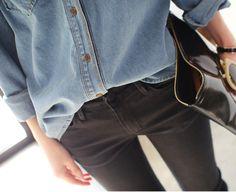 Jeanshemd/schwarze Jeans