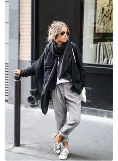 Camille Callen wears stylish grey slacks with converse and chunky scarf. Camille Callen wears stylish grey slacks with converse and chunky scarf. Mode Outfits, Fashion Outfits, Casual Outfits, Womens Fashion, Converse Outfits, Fall Outfits, Summer Outfits, Casual Jeans, Converse Style