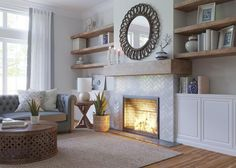 Fireplace Feature Wall, Fireplace Shelves, Fireplace Built Ins, Home Fireplace, Fireplace Remodel, Living Room With Fireplace, Fireplace Surrounds, Fireplace Design, Living Pequeños