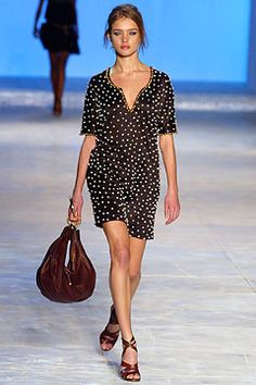 Chloé Spring 2003 Ready-to-Wear - Collection - Gallery - Style.com