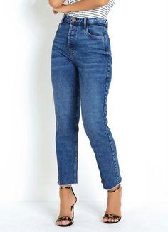 Calça jeans com elastano e cintura alta disponível do 36 ao 46. Encontre no #aplicativo #Posthaus usando o código: 3244815 #LookPosthaus #calçajeans #do36ao46 #plussize 36, Plus Size, Products, Straight Trousers, App, Ladies Fashion, Feminine, Role Models, High Waist