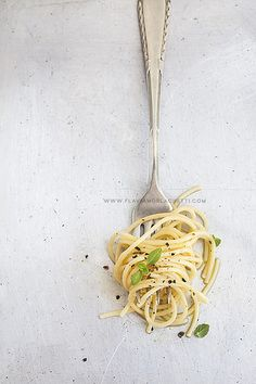 Spaghetti in fork ~ www.flaviamorlachetti.com