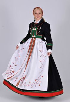 Bunad from Åmli, Aust-Agder, Norway Traditional Fashion, Traditional Dresses, Ethnic Fashion, Boho Fashion, Norwegian Clothing, Norwegian Fashion, Norway Culture, Authentic Costumes, Costumes Around The World