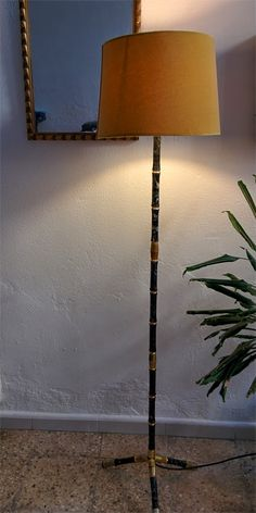 LAMPARA DE PIE IMITACIÓN BAMBÚ NEGRO Y DORADO VINTAGE floor lamp faux bamboo black and gold
