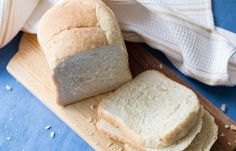 Best Bread Machine Bread Recipe - Valentina's Corner - Dinner rolls & Pastries -You can find Pastries and more on our website. Easy Bread Machine Recipes, Best Bread Machine, Bread Maker Recipes, Best Homemade Bread Recipe, Homemade White Bread, Panna Cotta, Bread Winners, Baker Recipes, Fun Easy Recipes