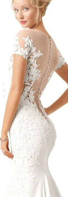 As an older bride this dress can be done with the lace in the back! Bridal Fab | LBV ♥✤