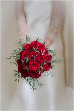 Winter red rose bouquet | Image Innate Form Photography