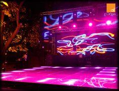 Las pantallas de Led son una herramienta básica para un luz y sonido. En ellas se pueden proyectar vídeos de los novios , de música y visuales para impulsar la fiesta.