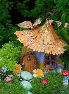 Popsicle stick fairy garden- You may like the rest of the 24 fairy garden ideas too