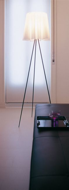 Philippe Starck | Discover the Flos standard lamp model Rosy angelis designed by Philippe Starck, 1994.