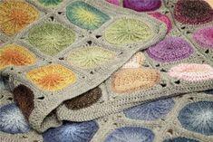 Hæklet tæppe med sole i ruder Chrochet, Alter, Beige, Bomuld, Crochet Squares, Crochet Blankets, Cardigans, Bedspreads, Bed Covers