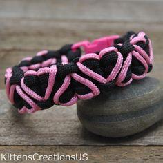 Best 11 Black Cobra Belly Pink Heart Paracord Bracelet - Item 350 by KittensCreationsUS on Etsy Paracord Bracelet Designs, Paracord Keychain, Paracord Projects, Bracelet Crafts, Paracord Bracelets, Knot Bracelets, Paracord Ideas, Survival Bracelets, Paracord Weaves