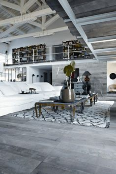 My favorite's hand Paola Navone, CR=